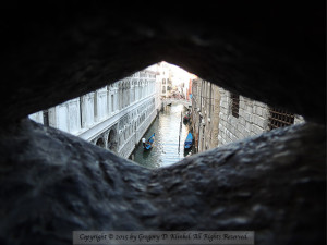 venice-canal-thru-diamond